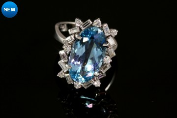 18kwg aquamarine and diamond ring