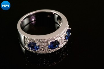 18kw sapphire and diamond band