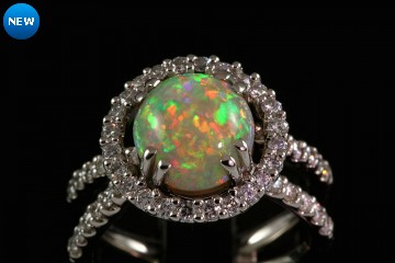18kwg very fine opal and diamond ring