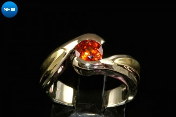 14k yellow gold spessertite garnet ring