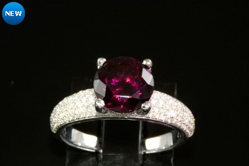 18kwg rhodolite garnet and diamond ring