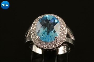 14kwg blue topaz and diamond ring
