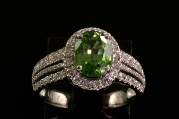 18k mint green tourmaline and diamond ring