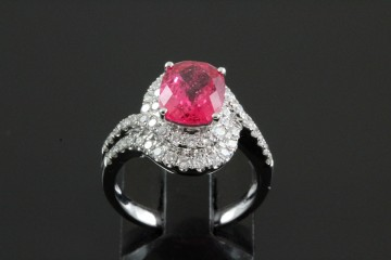 18kwg spinel and diamond ring