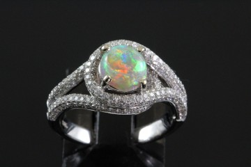 18kw opal and diamond ring