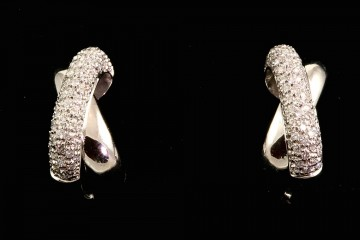 18kwg pave diamond earrings