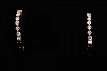 "18kwg diamond ""In and Out"" hoop earrings"