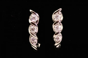 14kwg diamond j-hoop earrings