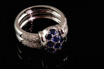 18kwg sapphire and diamond fashion ring
