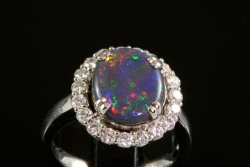 18kwg opal and diamond ring