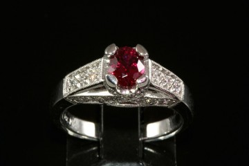 14kwg red spinel and diamond ring