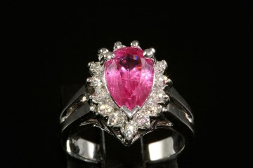 18kwg pink spinel and diamond ring