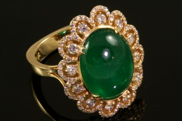 18kyg Colombian emerald and diamond ring