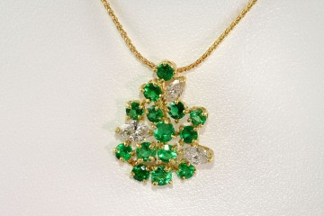 14kyg emerald and diamond necklace