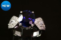 18kwg sapphire and diamond ring