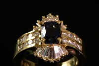 18kyg sapphire and diamond ring