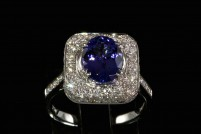 18kwg natural tanzanite and diamond ring