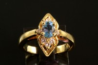 18kyg aquamarine and diamond ring