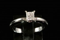 14kwg solitare diamond engagement ring