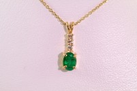 14kyg emerald and diamond pendant