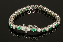 14kwg emerald and diamond bracelet