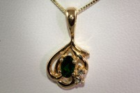 14kyg chrome tourmaline and diamond pendant
